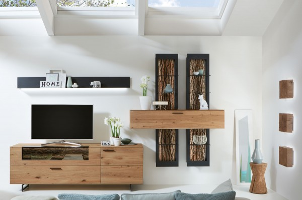 hartmann runa wohnwand massiv kerneiche mit applikationen echtrinde m belmeile24. Black Bedroom Furniture Sets. Home Design Ideas