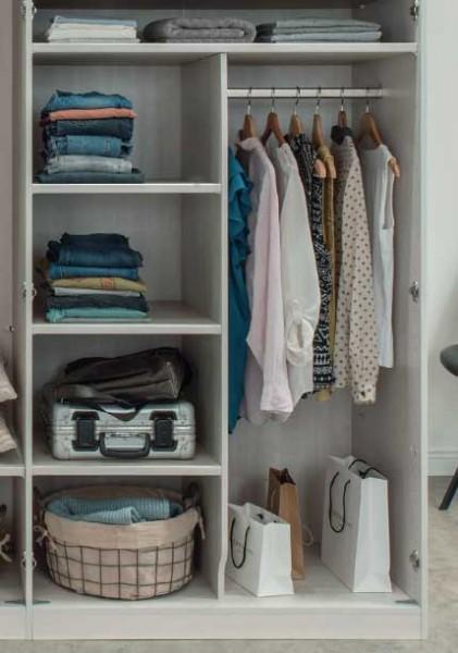 Wiemann Inneneinteilung mit Wäscheböden für Kleiderschränke