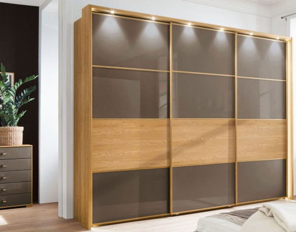 wiemann cleveland schwebet renschrank mit applikation eiche massiv m belmeile24. Black Bedroom Furniture Sets. Home Design Ideas