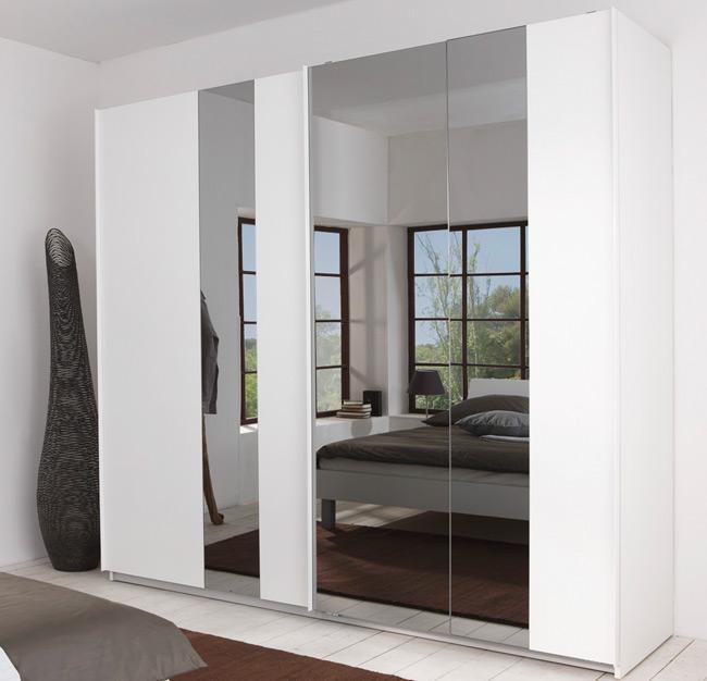 Das Bild zeigt einen P1 Schwebetürenschrank mit Spiegel in weiß.