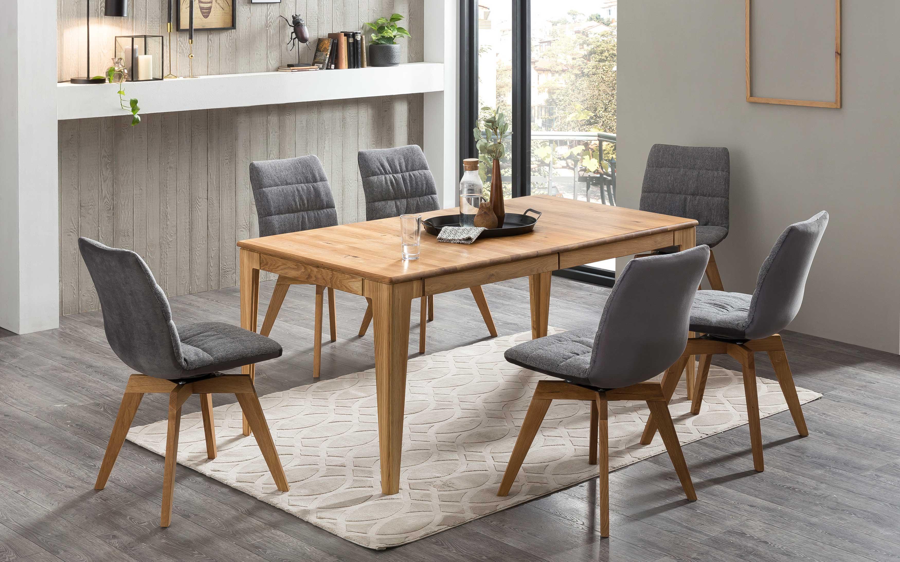Standard Furniture Tischgruppe mit Avignon Massivholztisch und Drehstühlen Phil eiche
