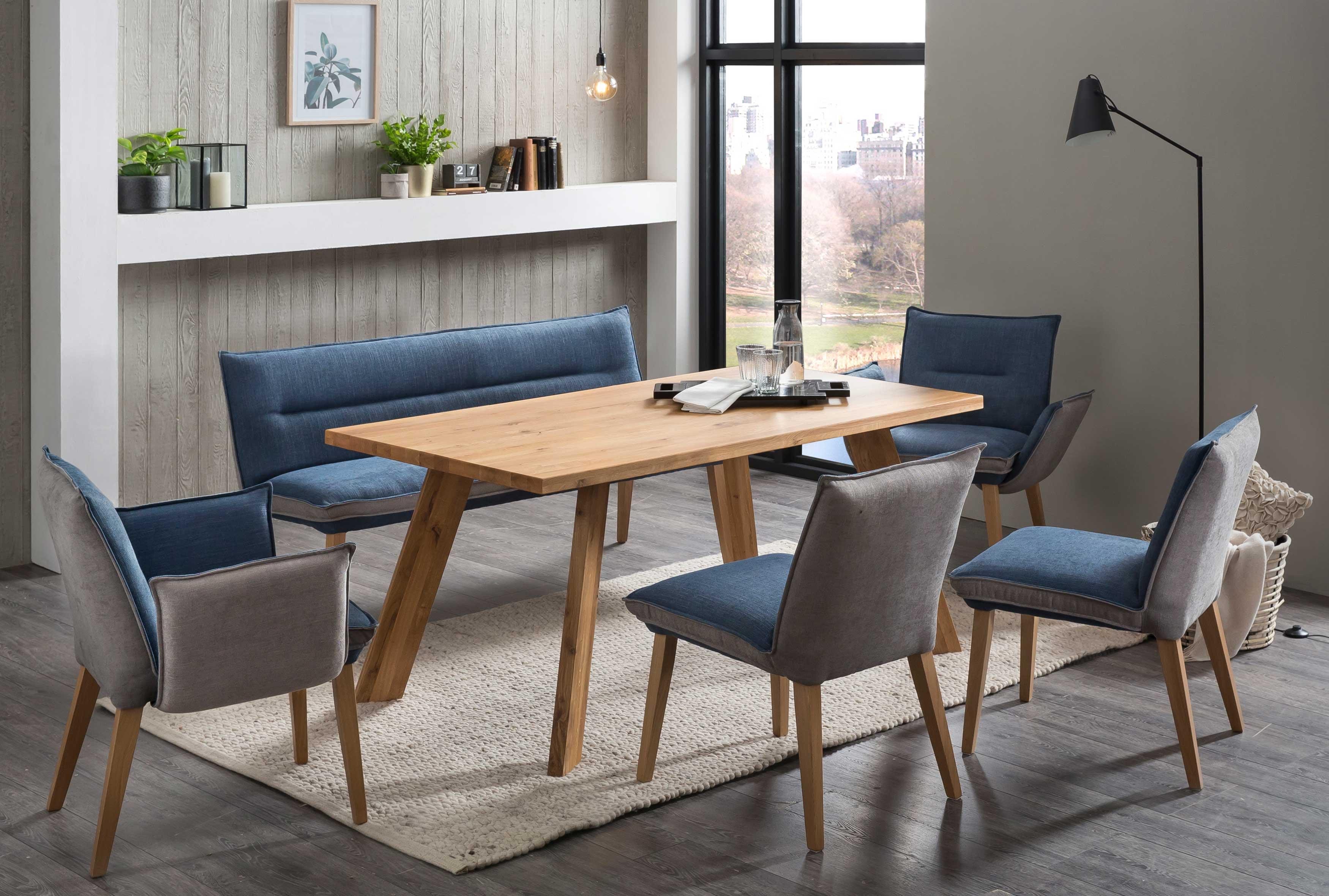 Standard Furniture Tischgruppe mit Mumbai Massivholztisch und Stühlen Genua eiche